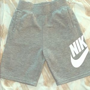 Boy's Nike grey sweat sweat shorts
